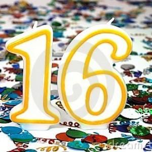 candela-di-celebrazione-numero-16-4836728